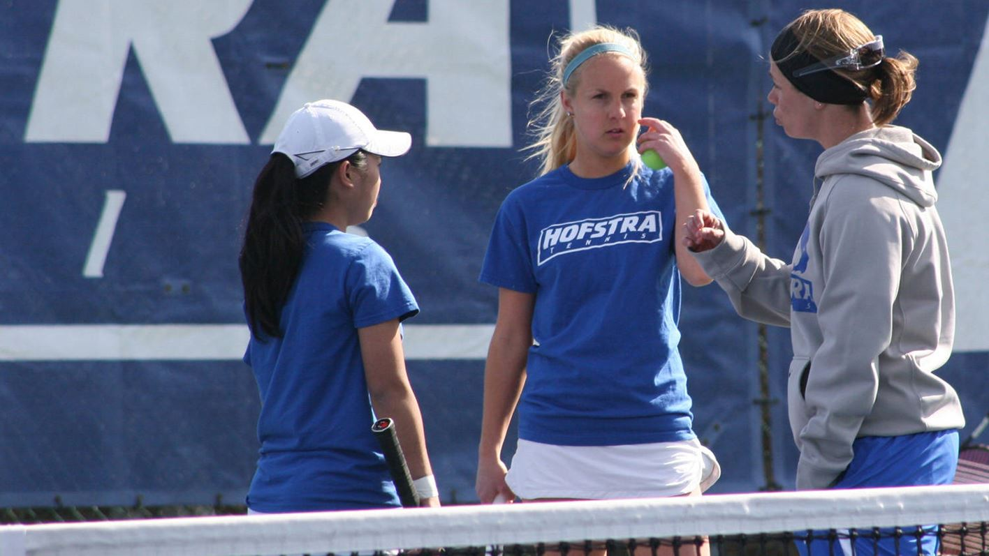 WTEN: Giulia Leone Signs With Hofstra - Hofstra University